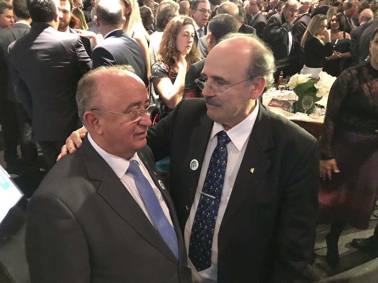 Presidente da FAEPI, Júlio César e o presidente institucional da ABRAMILHO, Sérgio Bortolozzo