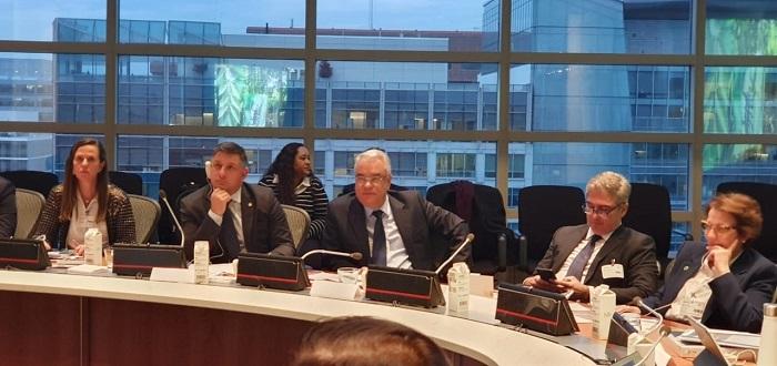 Daniel Carrara (à esquerda) com a diretora de Assistência Técnica e Gerencial do Senar, Andrea Barbosa, equipe do Mapa e ministra Tereza Cristina.