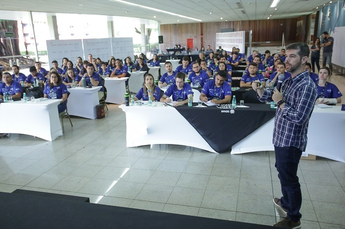 """Superintendente técnico da CNA, Bruno Lucchi, na palestra """"Uma visão do futuro da agropecuária"""