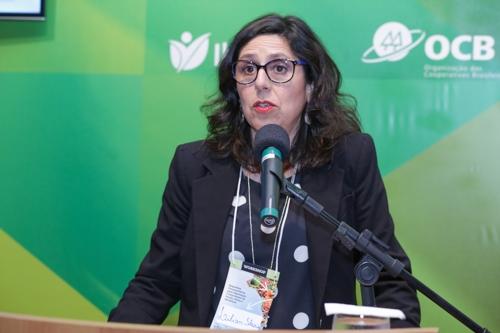 Lilian Ibanez, do Serviço Agrícola do Chile