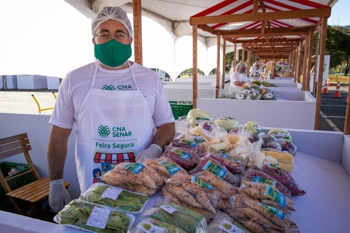 O produtor Pedro Sena não participava de feira desde o início da pandemia