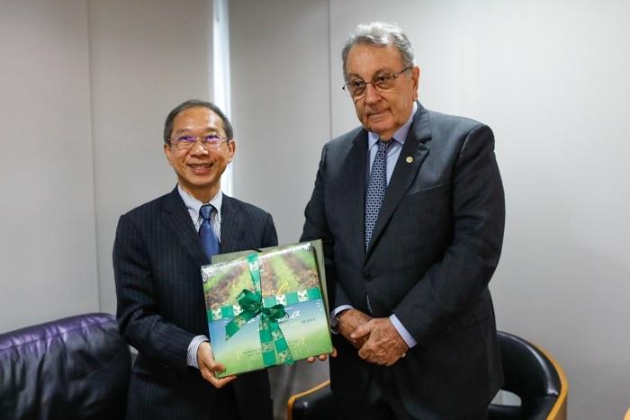 Embaixador Surasak Suparat e o presidente da CNA, João Martins