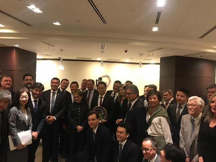 Comitiva durante encontro na Agência de Cooperação Internacional do Japão (JICA).