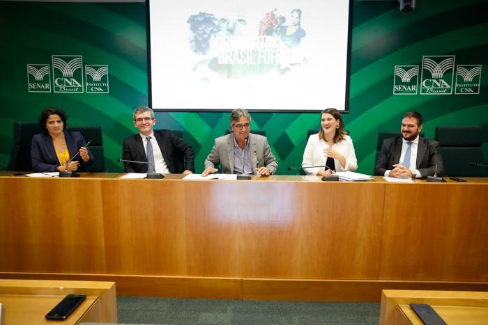 CNA reúne governo e setor produtivo para debater negociações internacionais
