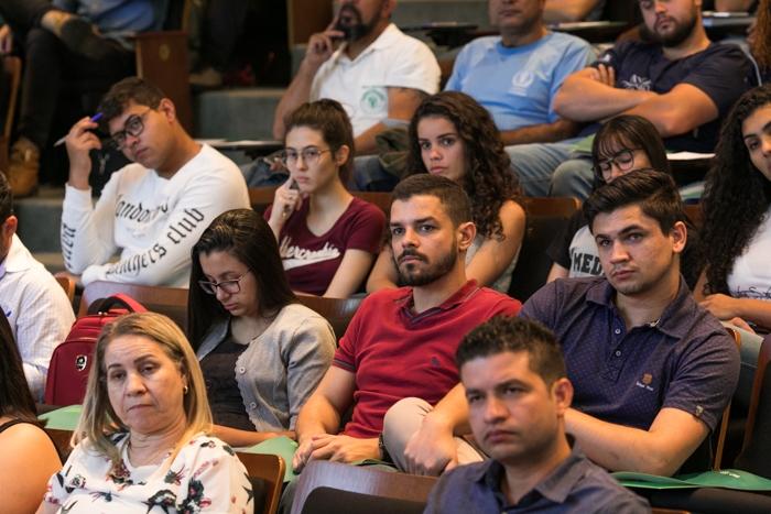 Em torno de 80 pessoas entre técnicos e estudantes participaram do workshop.