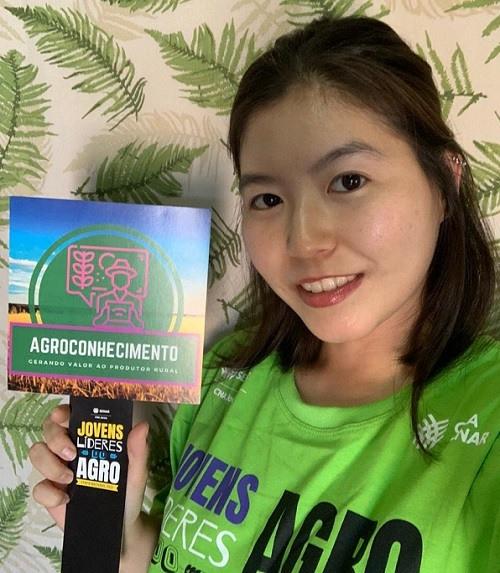 Camila Sayuri, de Santa Fé do Sul (SP), do grupo Agroconhecimento com foco educacional
