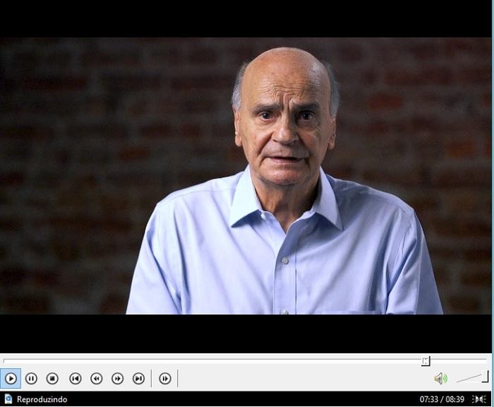 Nos vídeos, o médico oncologista Drauzio Varella fala sobre a saúde preventiva no meio rural