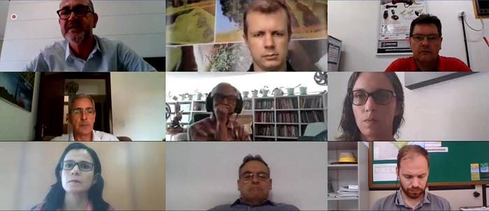 Reunião virtual em razão da pandemia