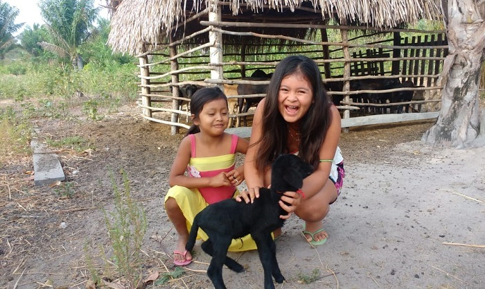 Ágata (6 anos) e Taís (10 anos) são filhas da produtora Ana Luiza