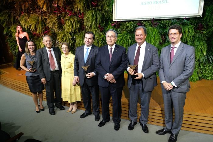 Prêmio CNA Agro Brasil 2019 é entregue para destaques em quatro categorias