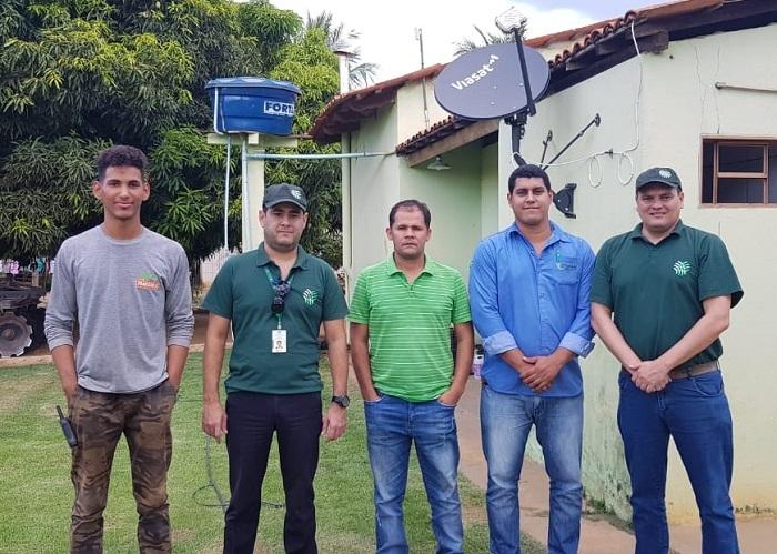 CNA testa sistema de internet via satélite em propriedades rurais